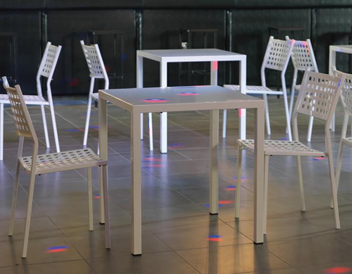 Tavoli E Sedie Per Bar Esterno.Tavoli E Sedie Bar Prezzi Perfect Tavolo Bar In Alluminio E Resin
